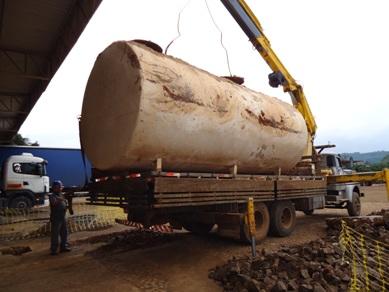 Retirada de tanques de combustível exige acompanhamento técnico